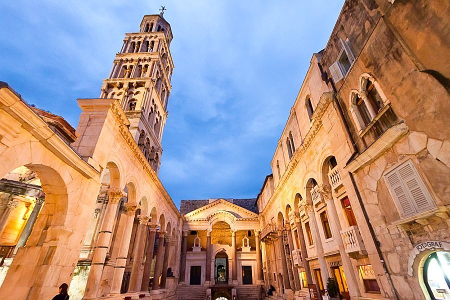 Peristyle square split croatia at night