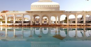 Floating Palace in India : Taj Lake Palace