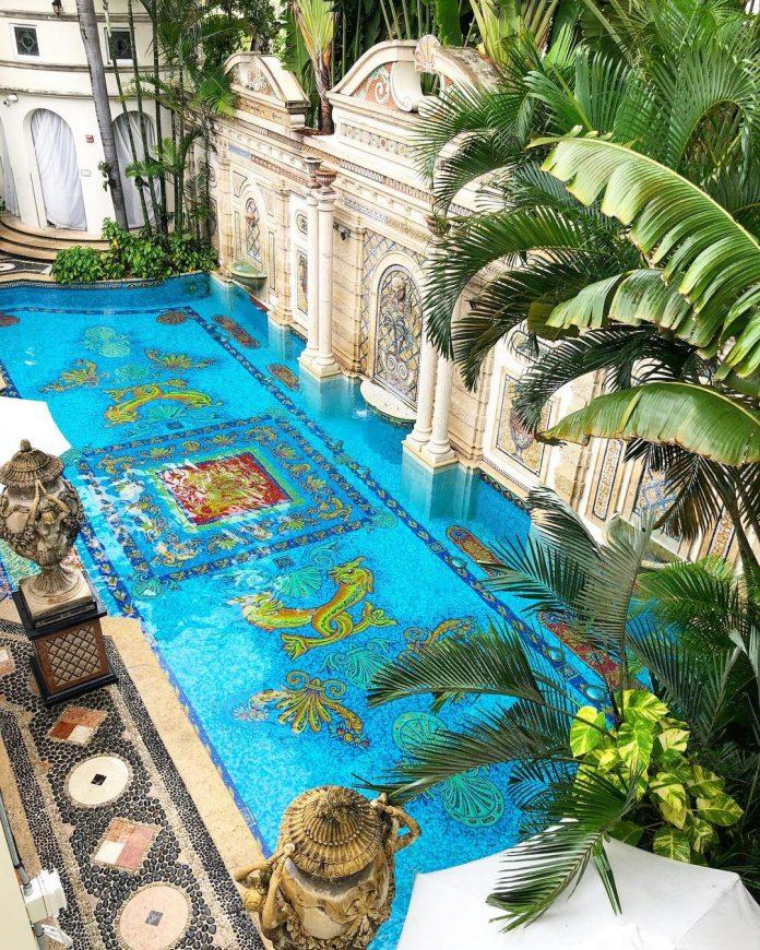 Villa Casa Casuarina Versace Mansion pool