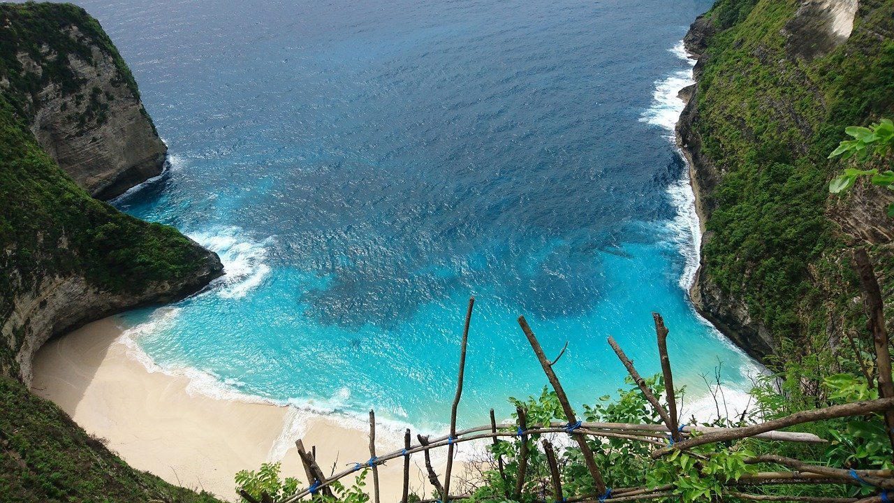 beaches in Bali june destinations
