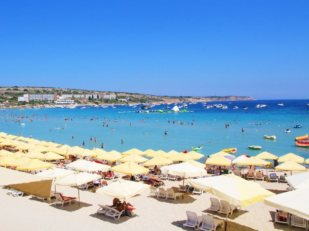 best beaches in Malta Paradise Bay