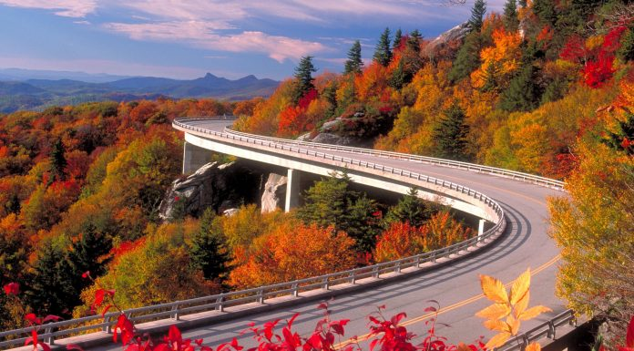 where to see the arrival of fall in US