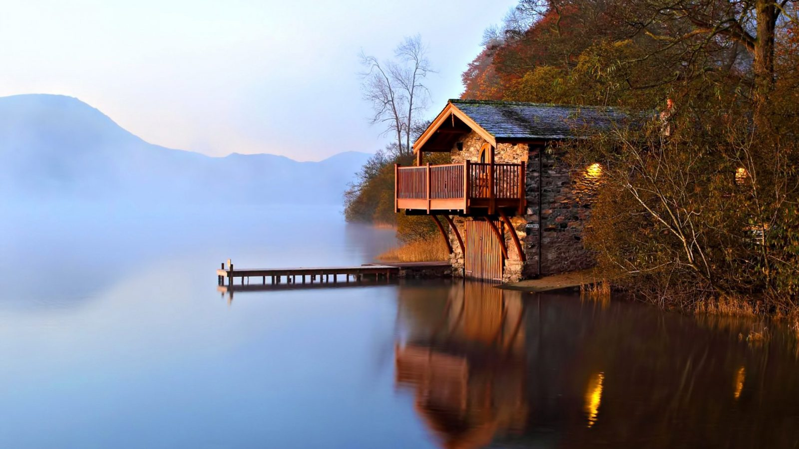 where to see the arrival of fall Lake district