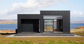 ISLE OF SKYE HIDEAWAY :  BLACK H HOUSE