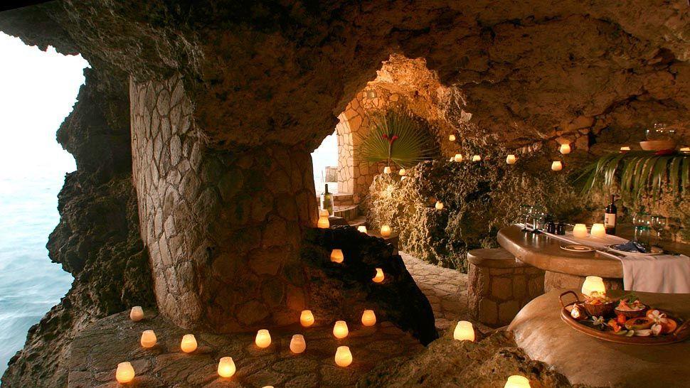 cave restauarnt hotel jamaica