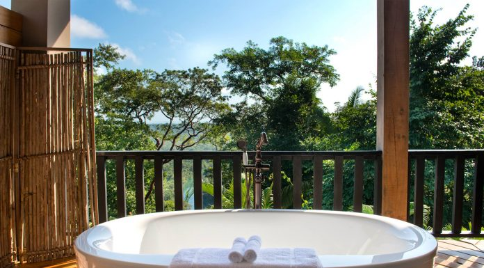 hotel on a coffee plantation Copal Tree Lodge