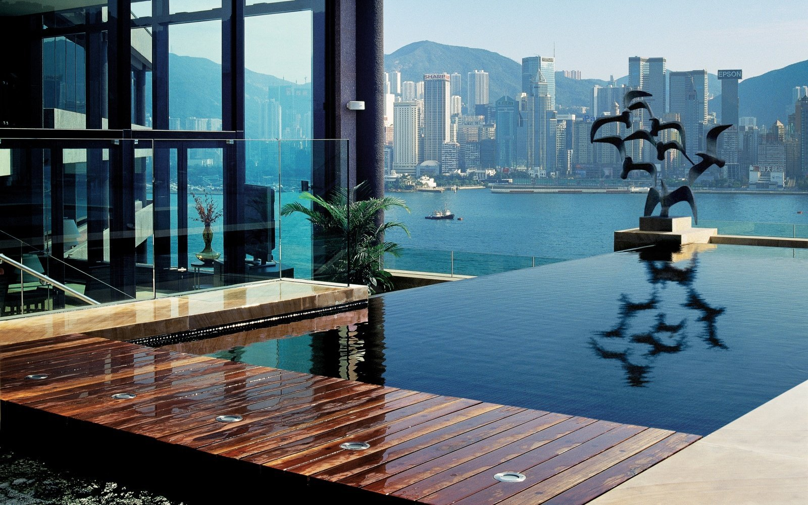 intercontinental hong kong spectacular pool