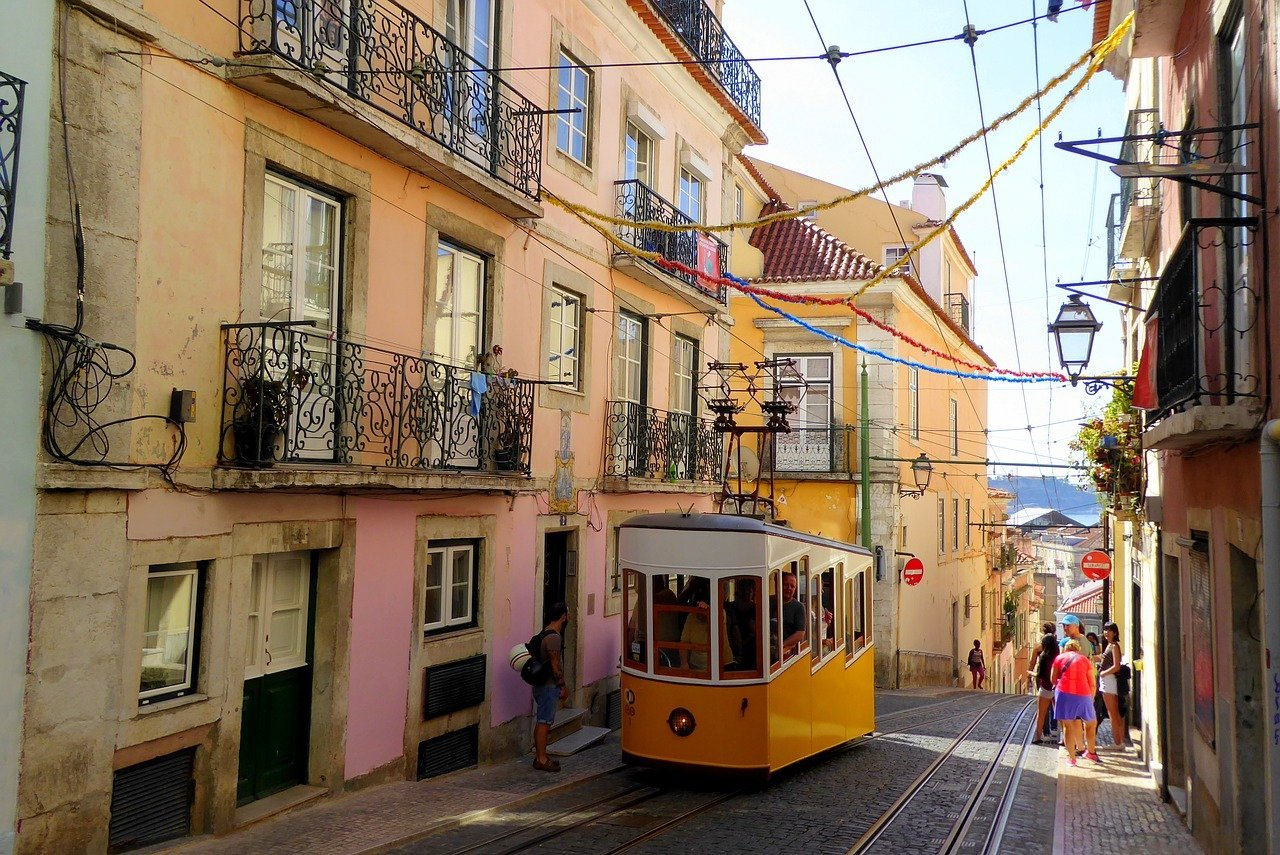lisbon holiday destinations spring in Europe