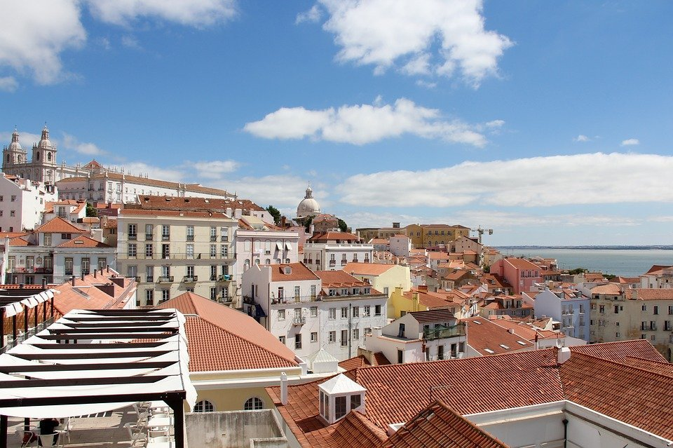 lisbon portugal europe destinations in Spring