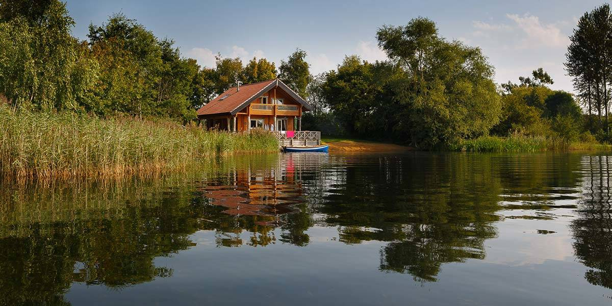luxury log cabins near london