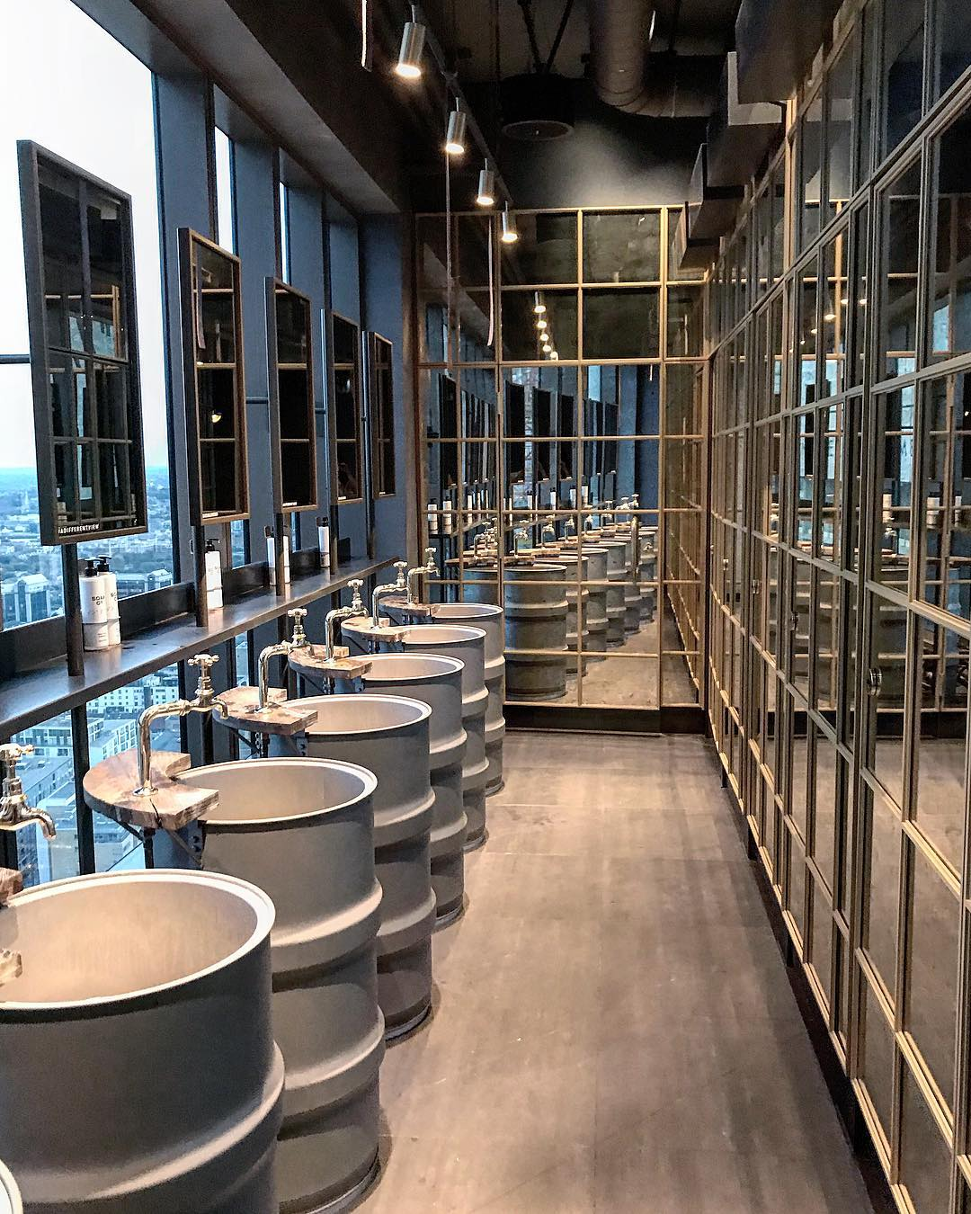 most instagrammable bathrooms in London Bokan Canary wharf
