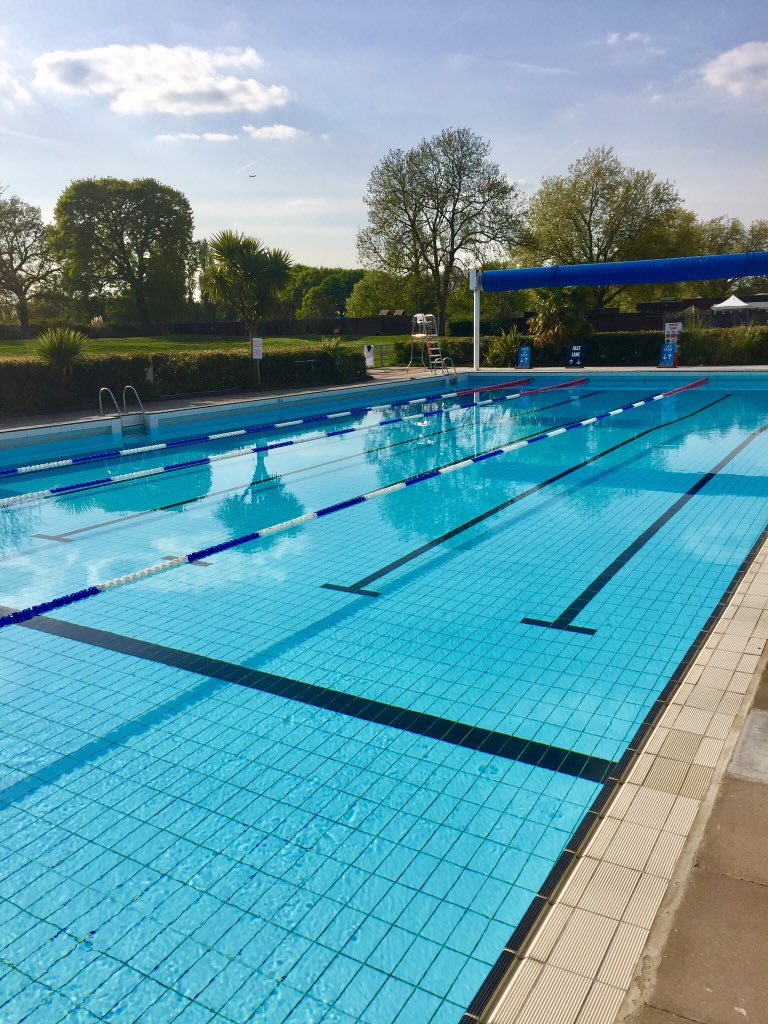 outdoor swimming pools in london
