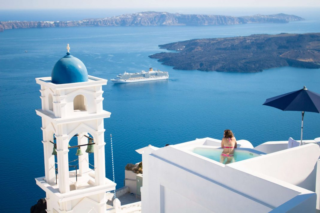 places to visit in greece santorini