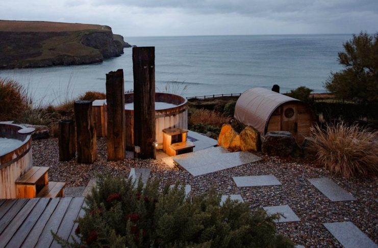 the scarlet outdoor hot tubs in cornwall