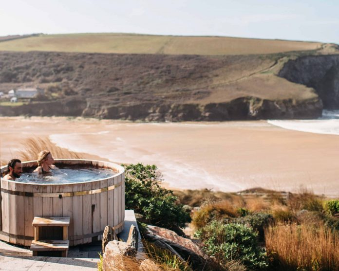 the scarlet outdoor tub in cornwall