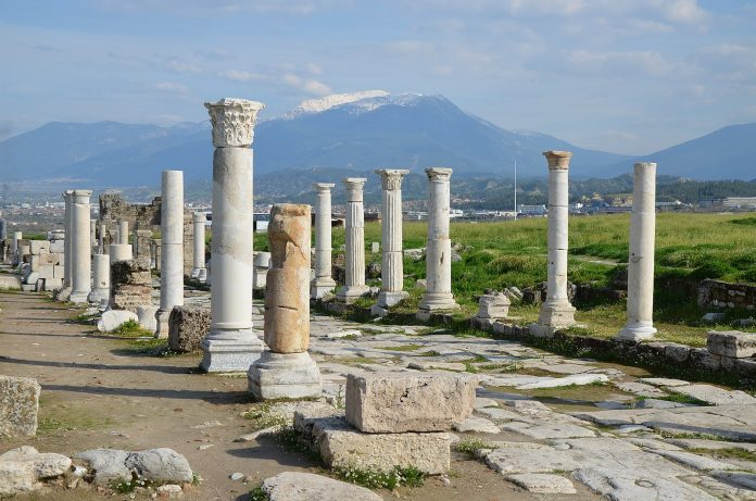 Places to see in Pamukkale Laodicea ancient city
