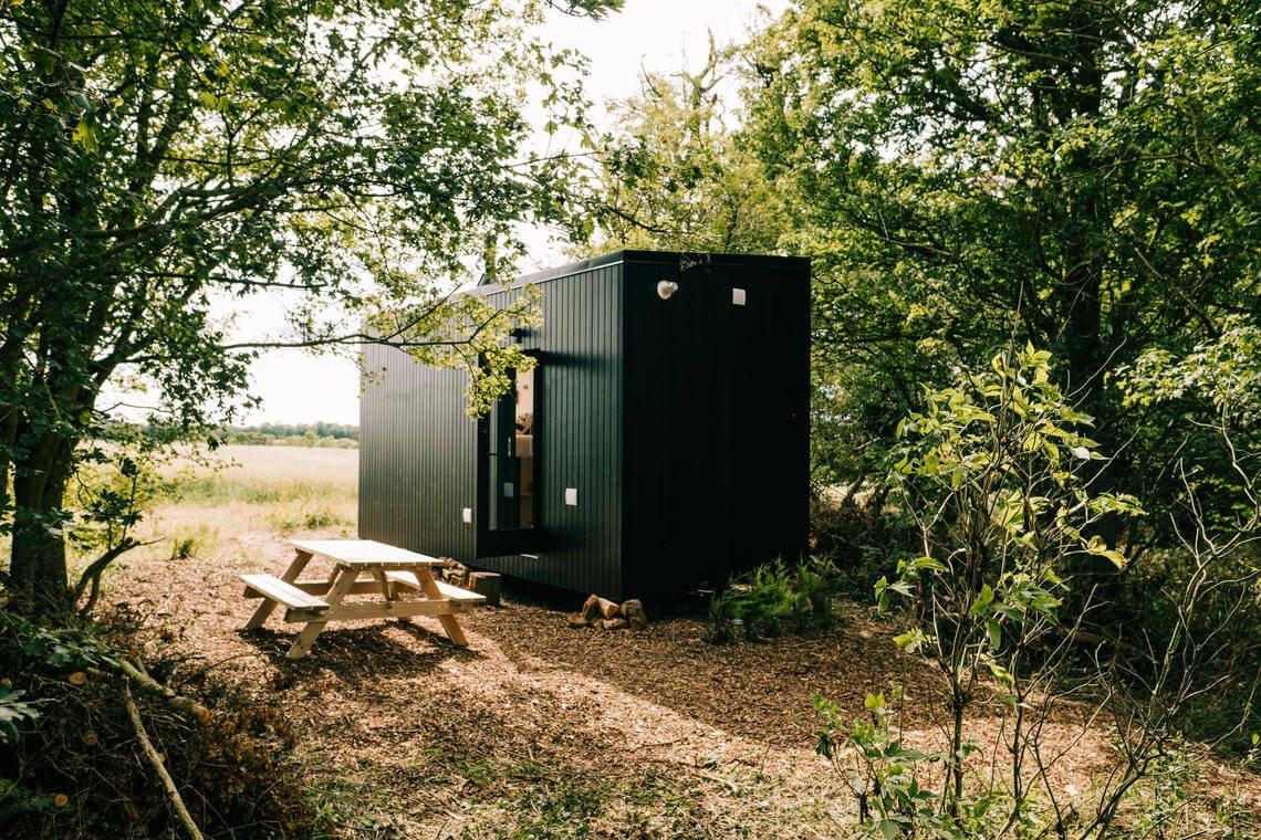 Digital Detox Getaway Near London : Unplugged Cabin