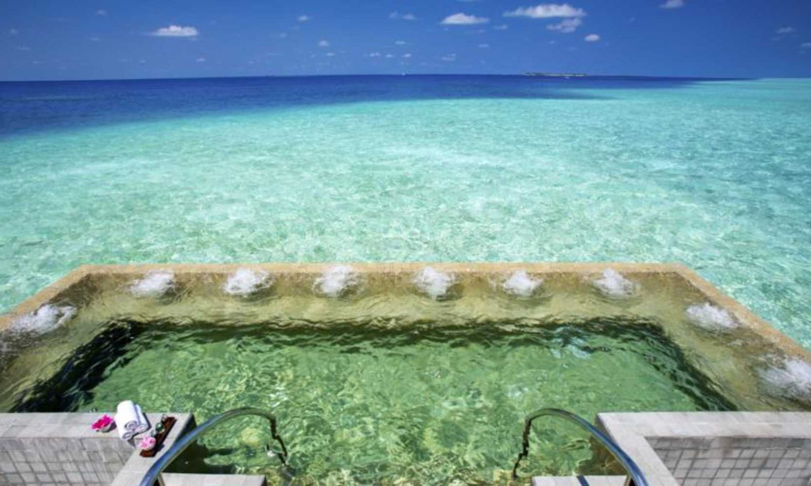 pool over maldives lagoon most spectacular pool in the world