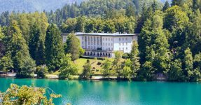 10 LUXURY HOTELS IN LAKE BLED