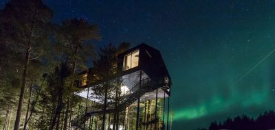 WATCH THE NORTHERN LIGHTS FROM AN EPIC TREEHOUSE