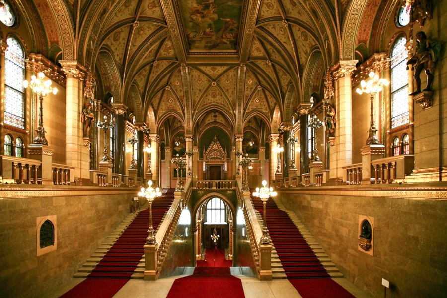 what to do in Budapest parliament inside