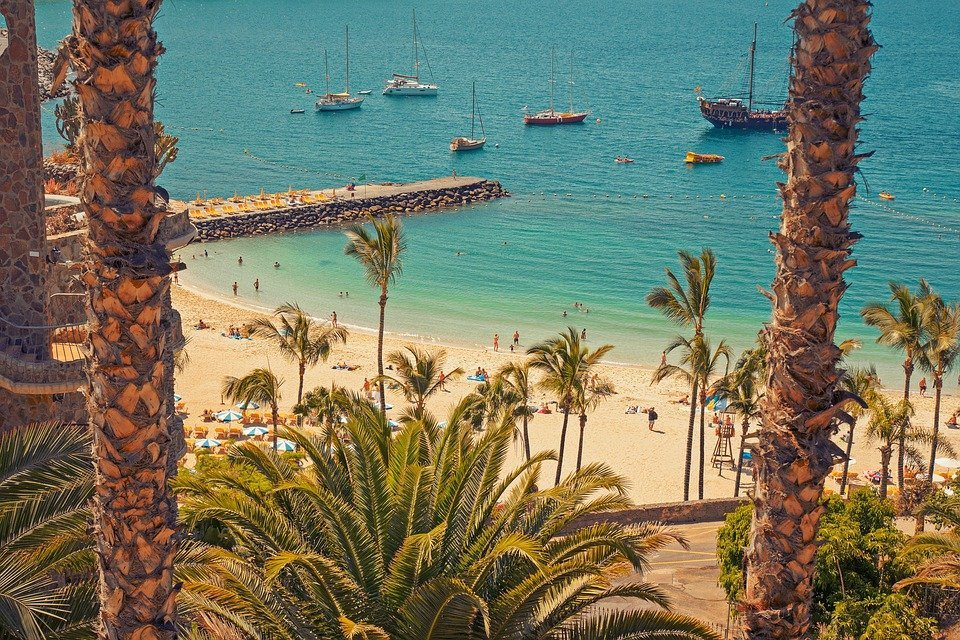 where to go on holiday in Canary Islands