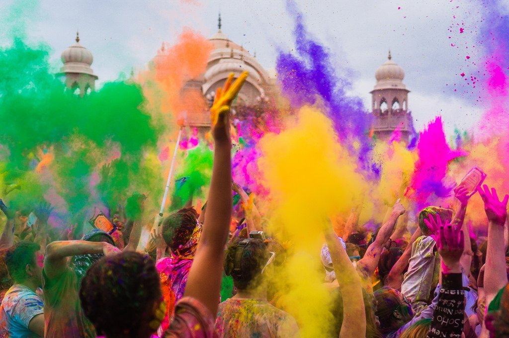 where to go on holiday in march delhi for holi
